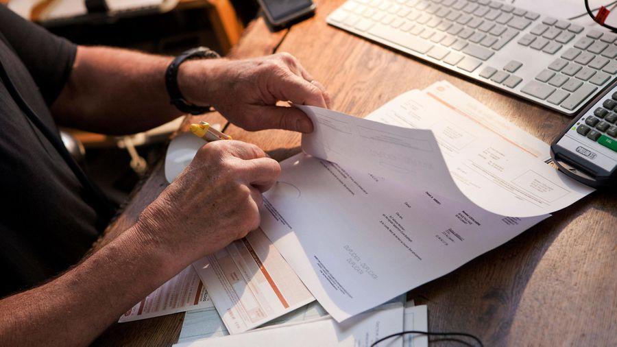 Benefits and drawbacks of insurance