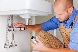 Benefits of Hiring a Plumber